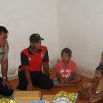 Melalui Patroli Peduli, Polres Nunukan Bantu Seorang Ibu Penjual Air Mineral