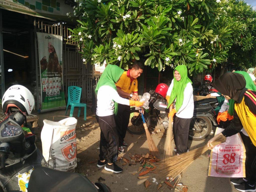 Hari Peduli Sampah 2019, Polisi dan Bhayangkari Sidrap Pungut Sampah di Terminal