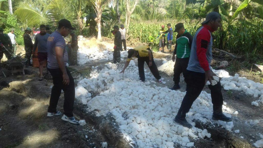 Ternyata Polisi Juga  Ikut Terlibat  TMMD 104  Wilayah  Kodim Bone  ini  Buktinya
