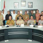 Gubernur Minta PT KMJ Utamakan Tenaga Kerja Lokal