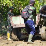Personil Kodim 1407/Bone Maksimalkan Kinerja Dalam  Pembangunan Infrastruktur di Pedesaan