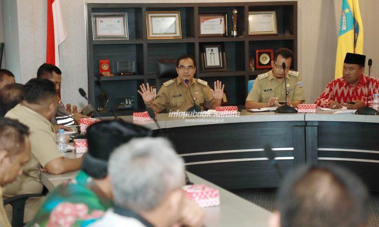 RAPAT MTQ : Sekretaris Provinsi (Sekprov) Kaltara, H Suriansyah memimpin rapat persiapan MTQ IV Tingkat Provinsi di Lt 1 Kantor Gubernur Kaltara, Senin (8/4).