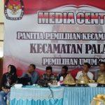 PPK Palakka Laksanakan  Rekapitulasi Penghitungan Suara  Kecamatan Sekaligus Rapat  Pleno Terbuka