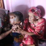 Kapolres Nunukan Berikan Nenek Mendang Bantuan Melalui Program Patroli Peduli