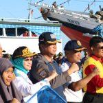 Kegiatan Jumat Bersih di Pelabuhan Paotere makassar dihadiri pimpinan dan Staff otoritas kantor pelabuhan utama Makassar