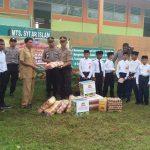 Gerakan 1000  Rupiah, Polres Sinjai Bantu dua Pesantren di Sinjai Timur