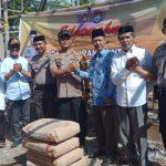 Kapolres Sinjai Berikan Bantuan Semen Kepada Panitia Pembangunan Masjid  Ta'miratul Islamiyah