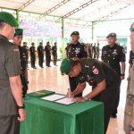 Danrem 141 /Toddopuli Kolonel Infantri Suwarno S. A.P   Pimpin Upacara Sertijab 4 Dandim Se-Korem 141 /Toddopuli