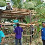 Baitul Maal dan Warga Desa Aji Kuning Gotong Royong   Bantu Bedah Rumah Warga Kurang Mampu