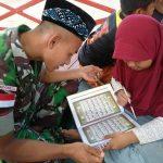 Selain Tugas Pamtas RI-Malaysia, Prajurit Yonif Raider 600/Modang Mengajar Mengaji Anak Perbatasan