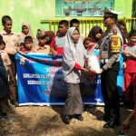 Dalam Rangka HUT Lantas Ke - 65,Satlantas Polres Sinjai Gelar Anjangsana Beri Bantuan Di SDLB Panti Asuhan Al- Hidayah