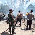 Tiga Rumah panggung  terbakar Hangus Rata Rata dengan tanah, Satu milik ketua BPD Desa Ammesangeng