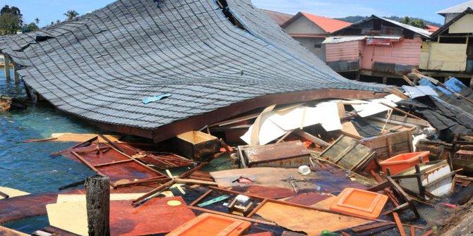 Kondisi Terkini Dampak Gempa Ambon : 23 Jiwa Meninggal Dan Puluhan Ribu Jiwa Mengungsi