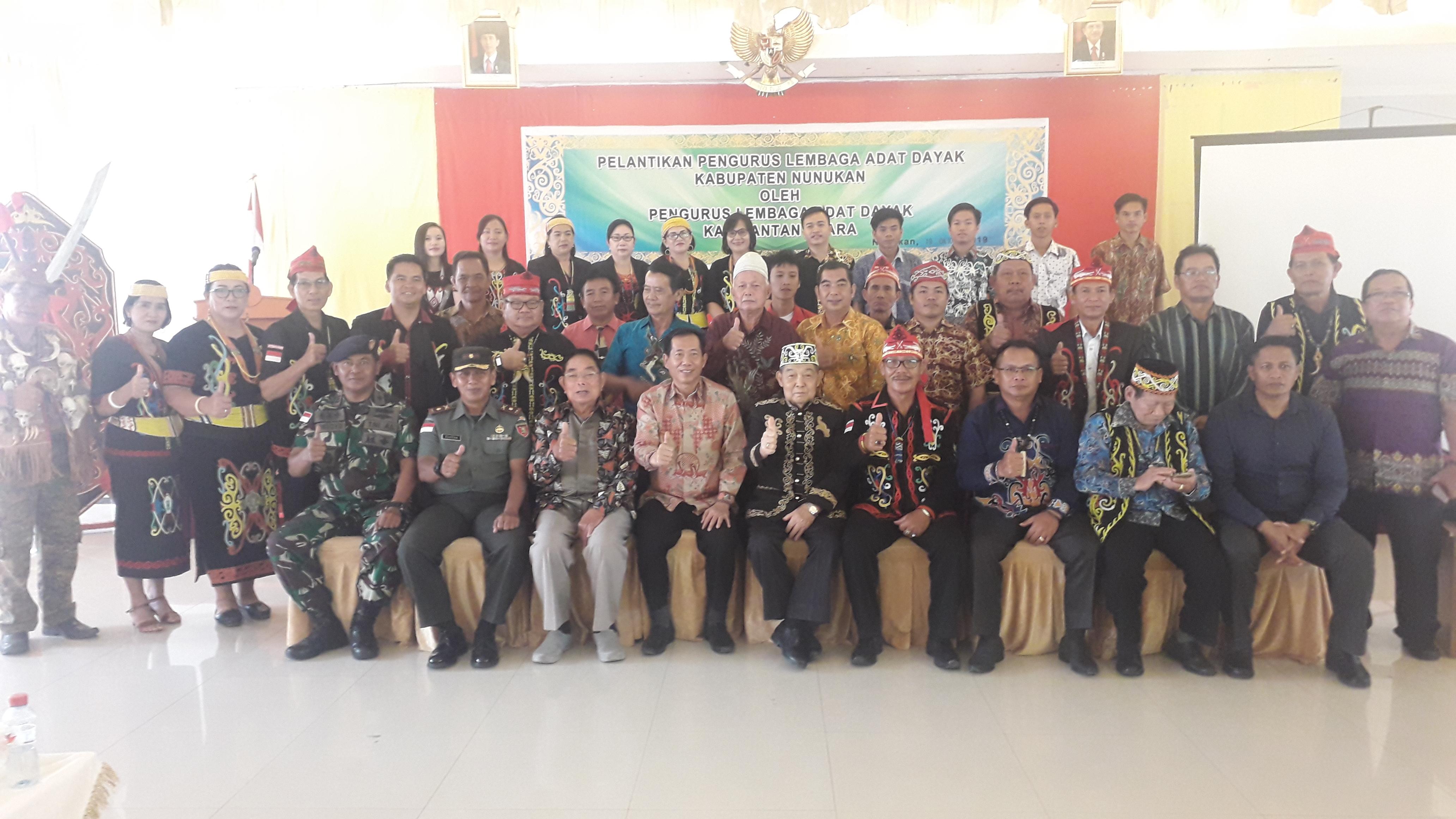 Pengurus Lembaga Adat Dayak Kabupaten Nunukan Periode 2019 - 2024 Dikukuhkan