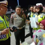 Kasat lantas Polres Bone sosialisasi pra Opera Zebra 2019 dihadapan Ribuan pengunjung Alun-Alun kota Watampone