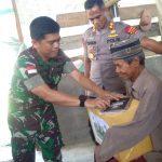 """Gabungan TNI-Polri """"Patroli Peduli"""" Mengunjungi Seorang Bapak yang Tinggal di Ujung Kota Nunukan"""