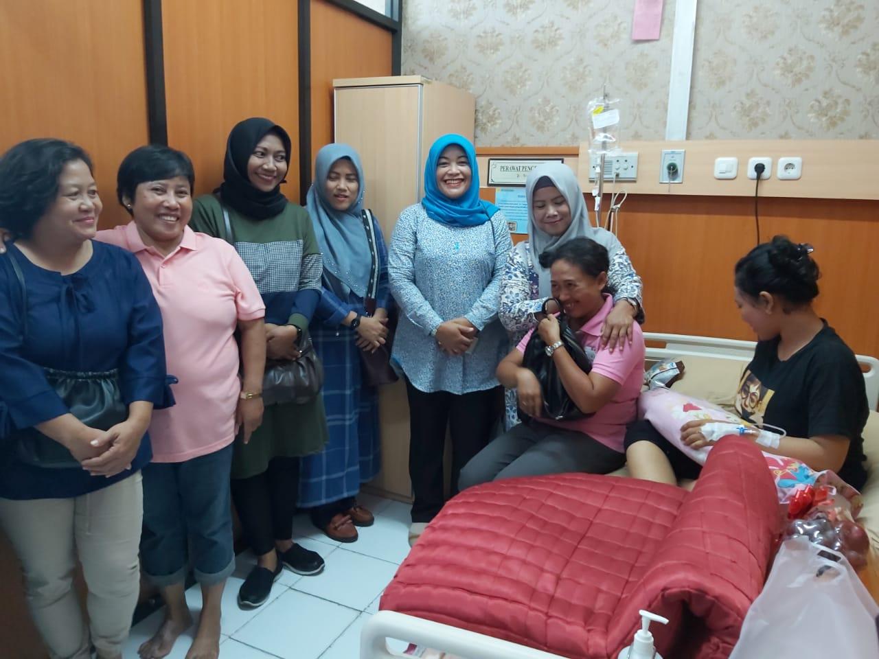 Inilah wujud nyata kedekatan Danramil 0735-02/ Banjarsari  Dengan Anggota keluarga yang sedang Sakit