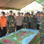 Apel Gelar Pasukan Kesiapsiagaan  Dalam Penanggulangan Bencana Banjir  wilayah Korem 141 /Toddopuli Dipimpin Langsung Danrem