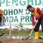 Tanam Puluhan Ribu Pohon Hijaukan Sulsel ,Polda Dukung Program Polri Peduli Penghijauan