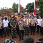 Dua jenderal TNI-POLRI , Panglima Dan Kapolri Serta Kepala BNPB Tanam 2020 Pohon