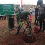 Panglima TNI ,Kapolri Bersama Letjen TNI Doni Munardo Tanam Pohon  Untuk Indonesia