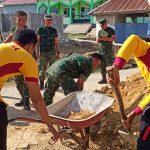 Kasat intelkam polres Bone pimpin Langsung Proyek Sukarela pembangunan Rumah Siti Fatimang didukung Oleh Koramil 07/Tanete Riattang kodim 1407/Bone