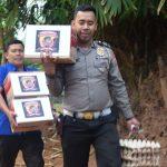 Police Care , Kapolres Bone I Made Ary Pradana Sik MH. beri uang Dan sembako Warga Tak Mampu di Dua tempat kecamatan Salomekko Kab Bone