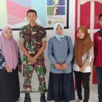 Babinsa  Bajoe Pelda Habibi Adnan Tamimi Hadiri penyaluran Dana Bansos PKH  warganya