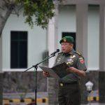 Amanat Pangdam XIV Hasanuddin  Dalam upacara bendera Minggu I bulan Maret , TNI  Tetap Jaga Netralitas di Pilkada 2020