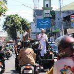 Kapolda Sulsel panggil Ustadz Das'Ad Latif keliling ceramahi warga di jalanan , Cegah virus Covid-19