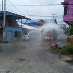 Ruas Jalan Disemprot Desinfektan, Bupati Nyatakan Perang Melawan Covid - 19