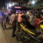 Kapolsek Bontoala Patroli dan membubarkan Kerumunan warga masyarakat cegah Covid-19