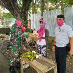 Dua Babinsa kodim 1407/Bone , Salurkan Bantuan Sembako ke PKL, Sopir,Ojek diterminal Palakka dan seputaran kota Watampone