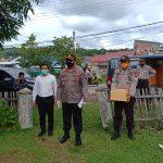 Polres Sinjai berbagi sembako ke Warga kurang Mampu Ringankan Beban masyarakat di tengah Wabah Covid-19