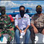 Datangi 7 pulau salurkan bantuan sembako Kapolsek pulau 9 Polres Sinjai & Babinsa Dampingi baznas Sinjai