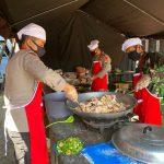 Dapur lapangan TNI-Polri Siapkan Ratusan Paket berbuka puasa  tuk warga terdampak Covid-19