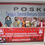 Kapolda Sulsel Apresiasi bantuan APD dari PT bintang dan 1000 paket Sembako donasi konsumen Alfamidi