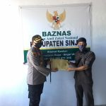 Kapolres Sinjai serahkan Zakat fitrah dan zakat profesi personel polres Sinjai di BAZNAS