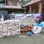 La Nyalla Academia Dan Senator Fahrul Razi bantu korban Banjir  di Aceh Tengah