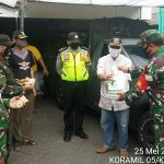 Dapur umum TNI-POLRI tetap Distribusikan Makanan Siap Saji ke warga Sekalipun Hari lebaran.