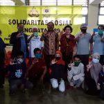 Kombes pol Robert Haryanto Watratan Serahkan 1000 Paket Sembako ke warga terdampak Covid-19, dari  Asksi Sosial Akpol 89 Dharana Lastarya