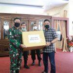 Kapolda Sulsel Terima Bantuan Almatkes Covid-19 dari Sekjen Kemenhan Marsekal Madya TNI Donny Ermawan