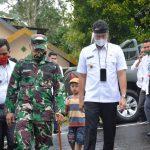 *Danrem 141/Toddopuli, Brigjen TNI Djashar Djamil SE.MM, Bersama bupati  Sinjai, Serahkan bantuan Rumah layak Huni, Dari Yayasan Muslim Asia AMCF*