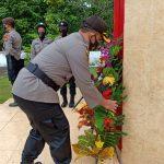*Peringati Hari Bhayangkara Ke- 74, Polres Sinjai Melaksanakan Ziarah Rombongan Ke Taman Makam Pahlawan*