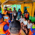 *7 orang ABK ISMAI JAYA Yang tenggelam  ditemukan , dan Diserahkan Kapolsek pulau sembilan polres Sinjai ke Tim terpadu kabupaten*