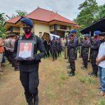 Tembakan Salvo Personel Batalyon C Pelopor Iringi Prosesi Pemakaman Ipda ( Purn) Andi Firdaus Makmur , Bentuk penghargaan Kepada Almarhum