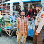*Polsek Polsel Dan Koramil Polsel Gelar Operasi Yustisi Di Pasar Moncongkomba*