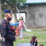 Program BRAIN Brimob Yon C pelopor , gandeng Mahasiswa IAIN Bone , sambangi Anak-Anak Desa Kading