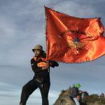 Subhanallah,Bendera Bonepal kembali berkibar dipuncak Bawakaraeng