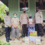Kapolres Enrekang bersama ibu Bhayangkari kunjungi dan beri santunan Bapak Abd Kadir